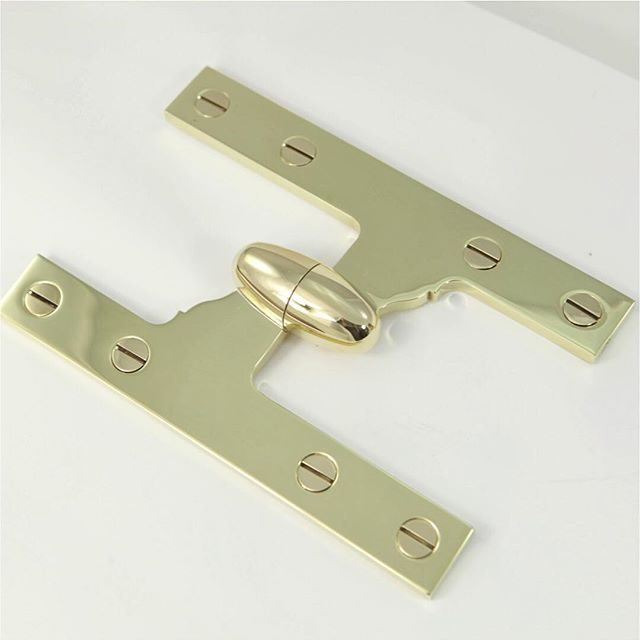 olive knuckle hinge with concealed bearings