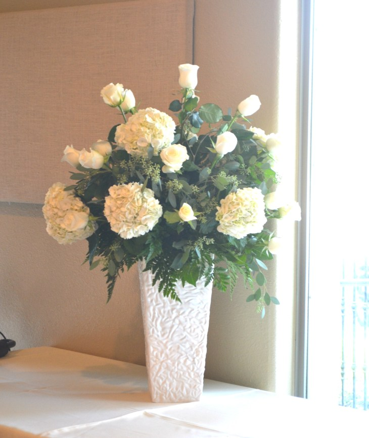 cream wedding arrangements wilsons floral design helotes