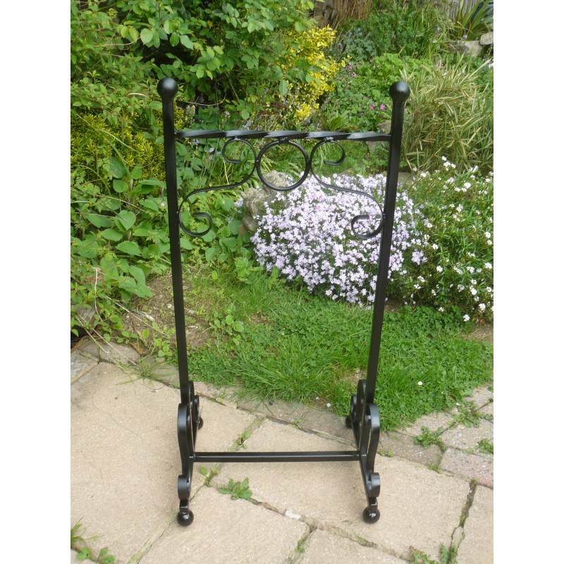 Hanging basket stand on Hanging Plant Stand  id=87484