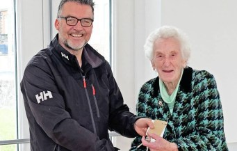 Mr Greg Power, THP Construction, hands over the keys of new Hall to Miss Vera Girvan