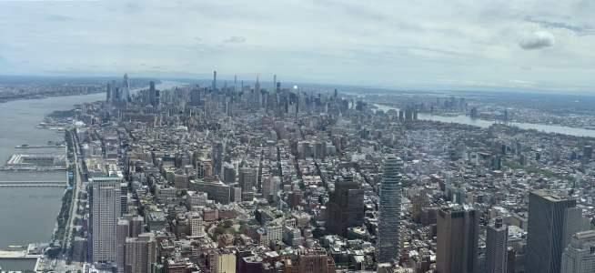 In der Ferne: Links der Hudson River, rechts der East River
