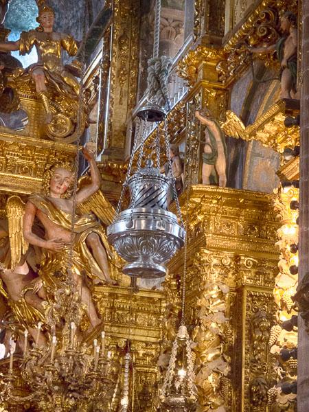 Santiago di Compostella: Weihrauch im Überfluß
