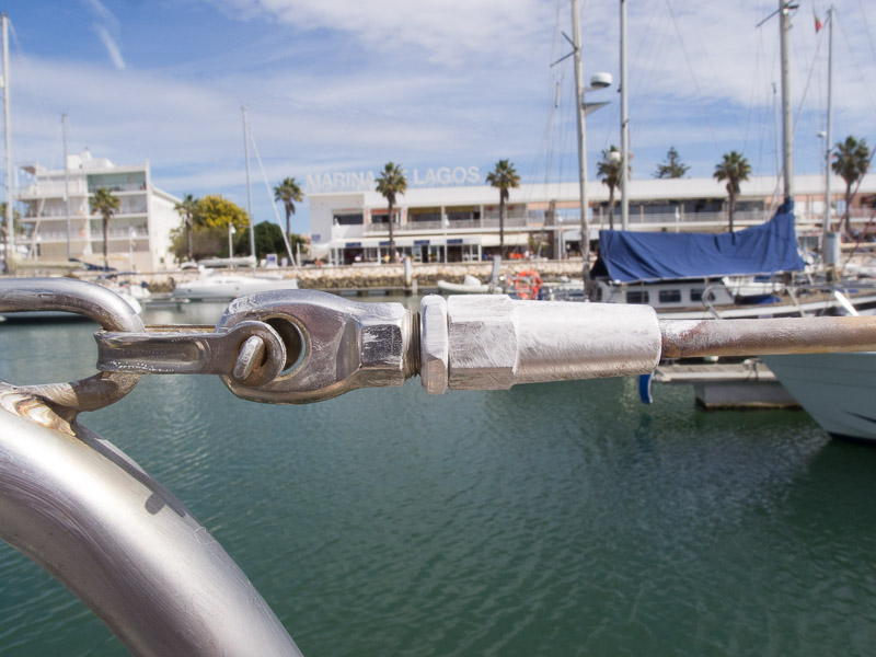 Boot Polieren: nach dem Antrocknen der Politur