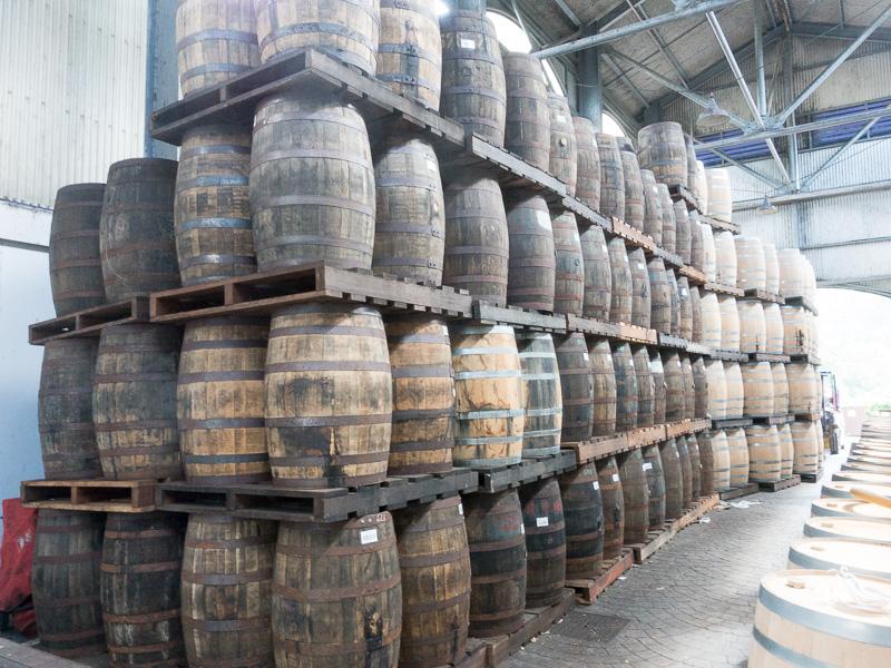 Das Geheimnis des Rums: für viele Jahre in die richtigen Fässer