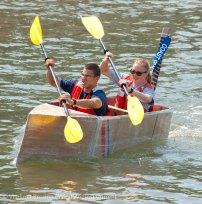 Cardboard-kayak-race-101