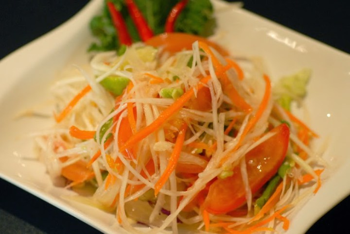 Crisp and delicious papaya salad of Thai City of Orlando, FL (at 1311 Florida Mall Ave., phone: 407-859-2168)