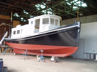 Tug boat restoration - new paint job