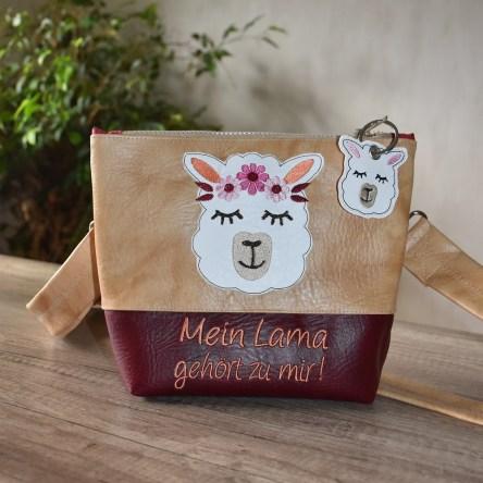 Lama hellbraun-weinrot