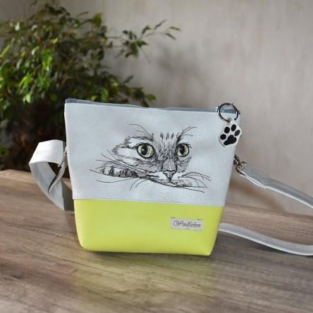 Katze hellgrau-hellgrün
