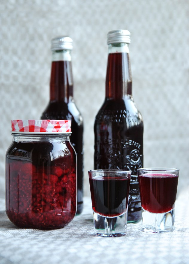 home-made berry liqueur recipe with arctic berries and wild raspberries