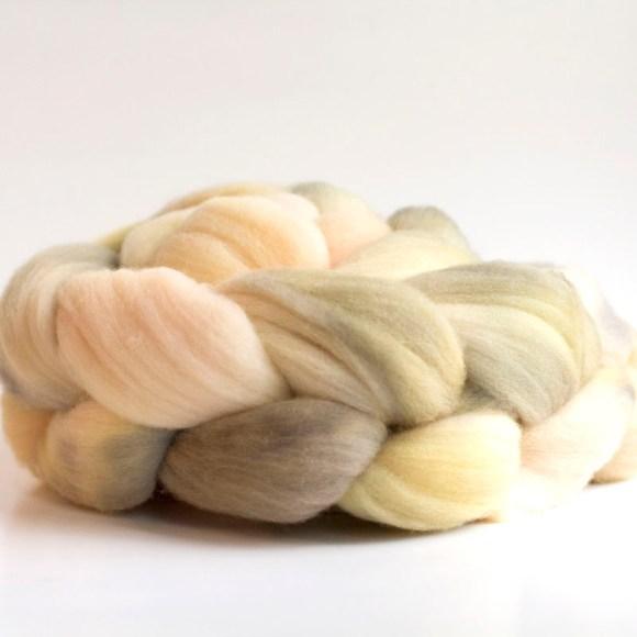 merino wool roving, windingtheskein.com