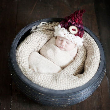 newborn hats, beanie, hand knit, handspun, thick and thin, merino, photography props,