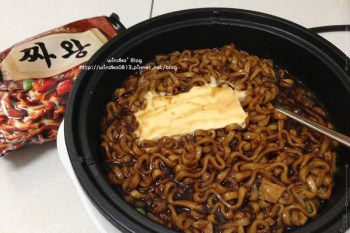 韓國。泡麵∥ 짜왕(炸王)- 果然好吃的炸醬麵,柳演錫(유연석)代言