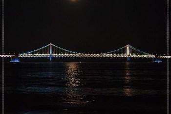 2012。韓國自由行∥ 釜山 廣安里海水浴場、廣安大橋광안대교 - 不能錯過的鑽石橋夜景!
