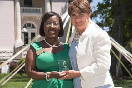 Marsha Stringer, Robin Smith Dudley, 78, 2016 Alumnae Reunion Weekend