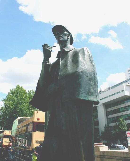 04 Sherlock Statue