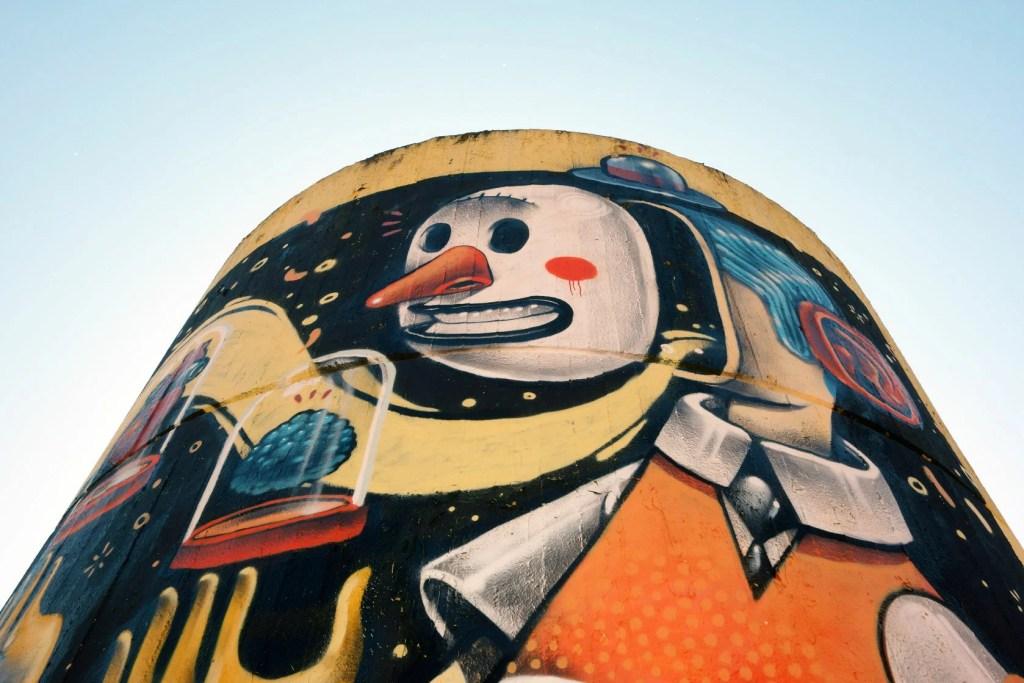 Street Art fresco in Monti Tiburtini Metro station