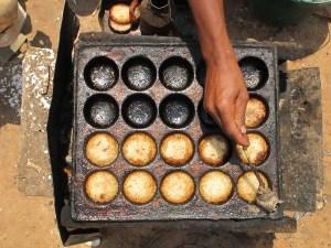 Street-Food-Around-the-World-Africa-Mofo-Gasy