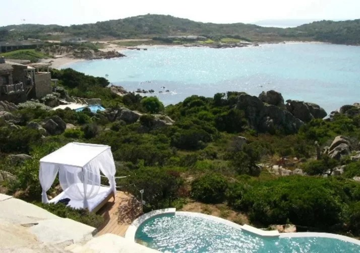 Private Islands Airbnb_France
