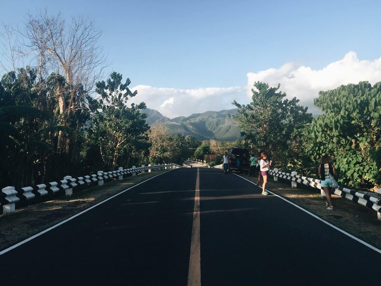 02 Mountainous roadside views