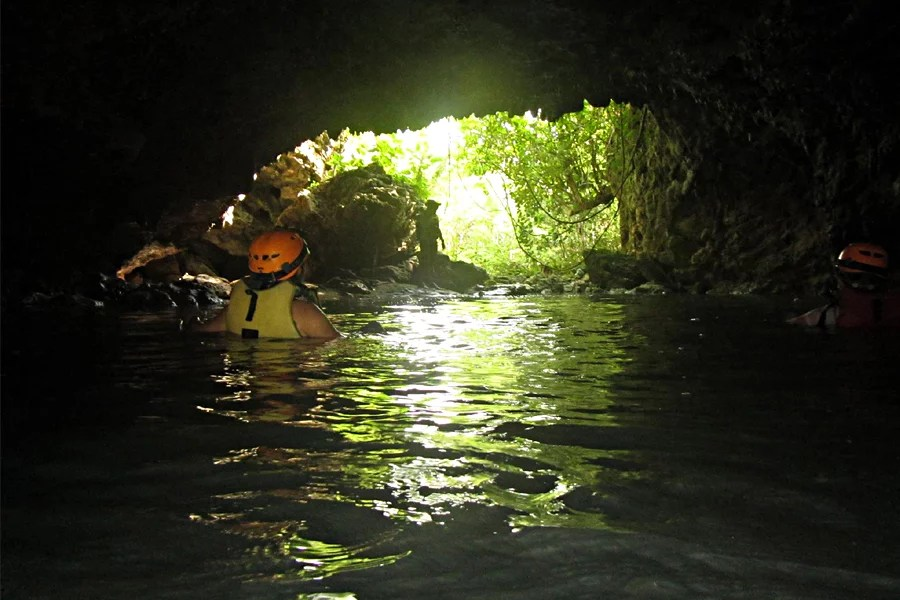 5-lobo-cave