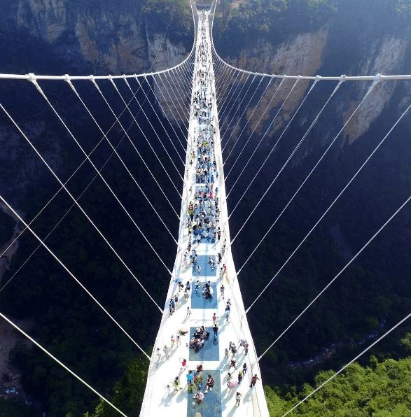 china-zhangjiajie-glass-bridge-a