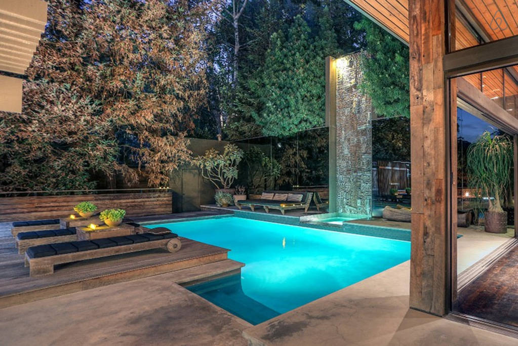 buff and hensman house hollywood hills pool from inside
