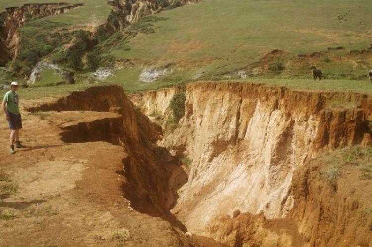 penyebab erosi dan macamnya