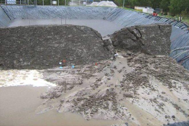 erosi internal seperti tanah longsor