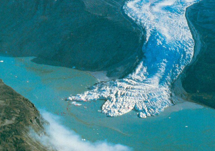 gletser atau runtuhan es dapat menyebabkan polusi