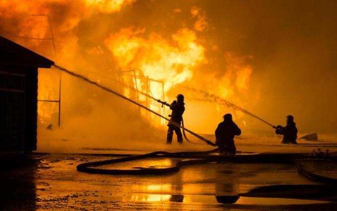 Profesi pemadam kebakaran yang sangat berkorban
