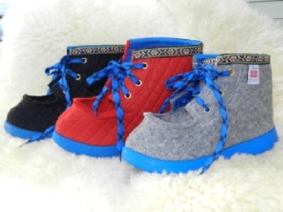 sepatu dari kain flanel