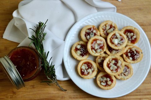 perfect holiday appetizers, these savory mini tarts are great for Christmas or New Years-made with rosemary shortbread, homemade date jam and gorgonzola cheese