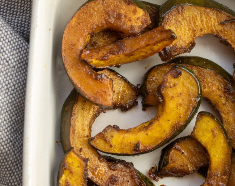 Roasted Maple-Curry Acorn Squash