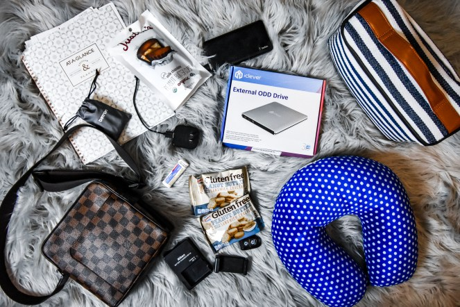 What should I pack in my carry-on bag? | The best bag for air travel and photography