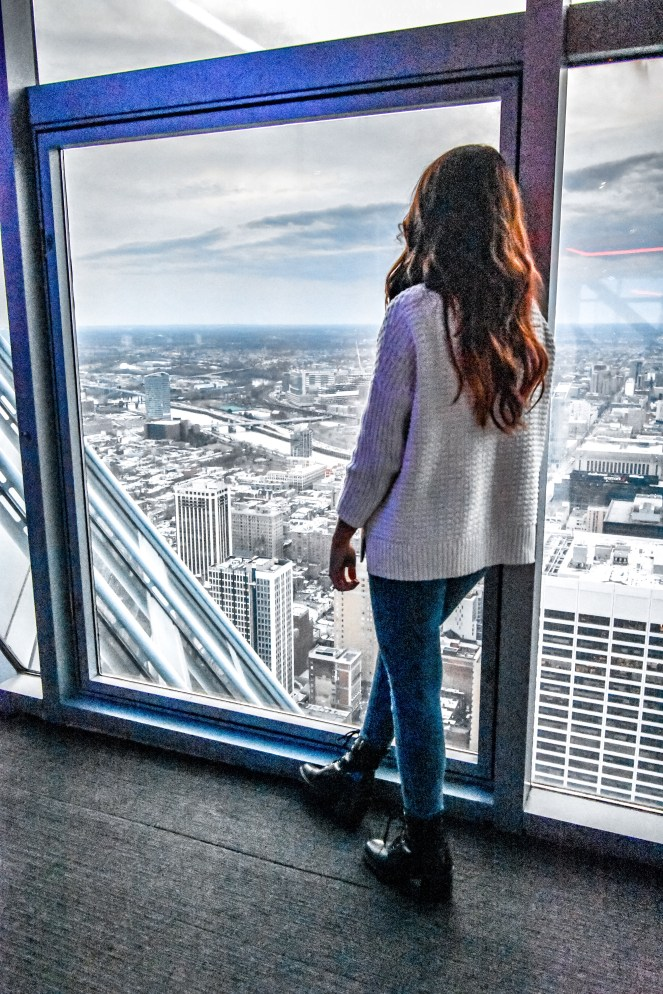 Philadelphia Weekend Guide | Sonesta Philly | Best Top things to do in the city | where to stay | food and drink | Restaurants | Italian Market Pizza Pizzeria | Fine Dining | Wine Bar | Blog Blogger Weekends | Outfit What to Wear | observation deck | one Liberty | from the top