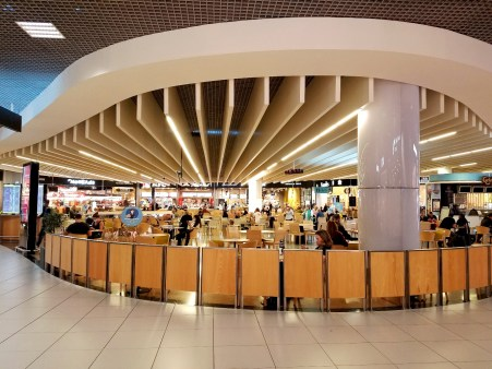 Food court at the Lisbon airport during the COVID-19 pandemic.
