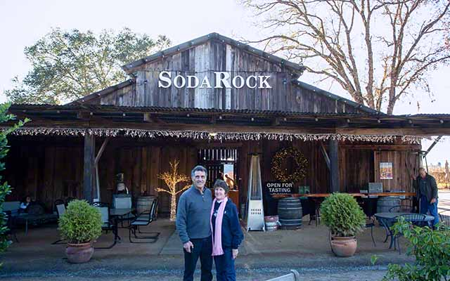 about Janelle and joe, wine country travelers