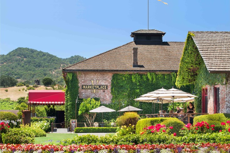 Napa Wine Tours, stop for lunch at Yountville Marketplace