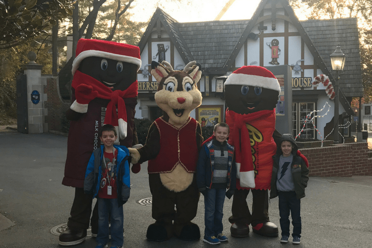 Hersheypark place character breakfast