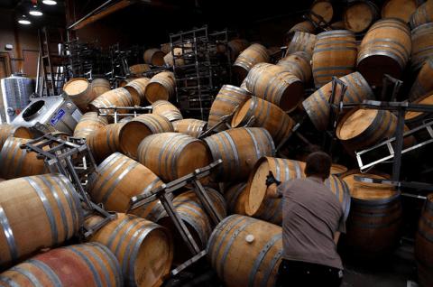 Napa earthquack - Saintsbury Winery barrel room