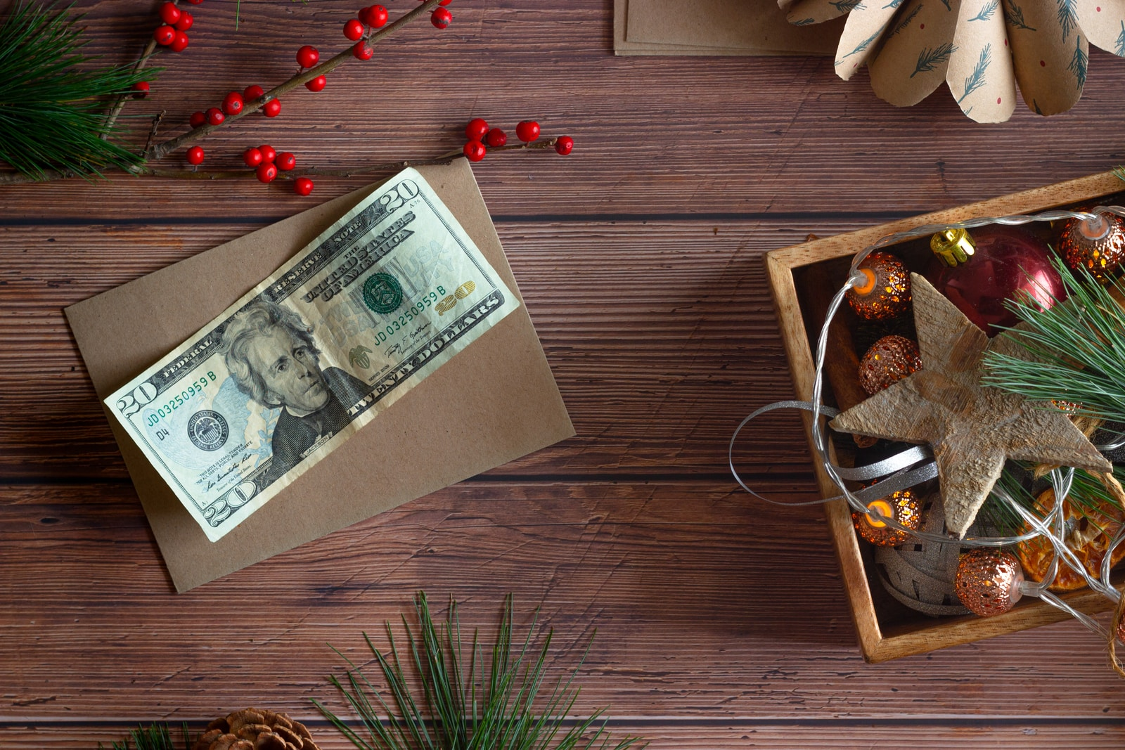 ARE YOU LIVING ON A BUDGET? 6 WAYS TO SAVE