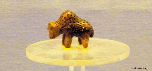 Figurita de oso encontrada en Limantepe de la Edad de Bronce tempreana