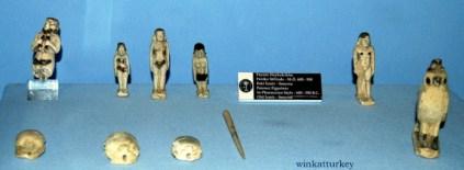 Figuras de estilo fenicio del año 600-500 a.c
