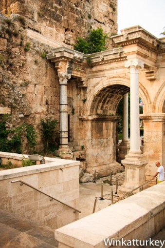 Puerta de Adriano