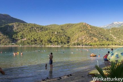 Playa de la Laguna Azul. Lado de la laguna.