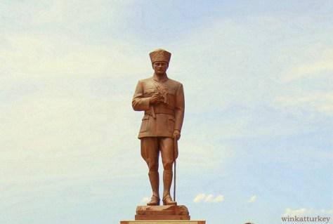 Estatua de Atatürk