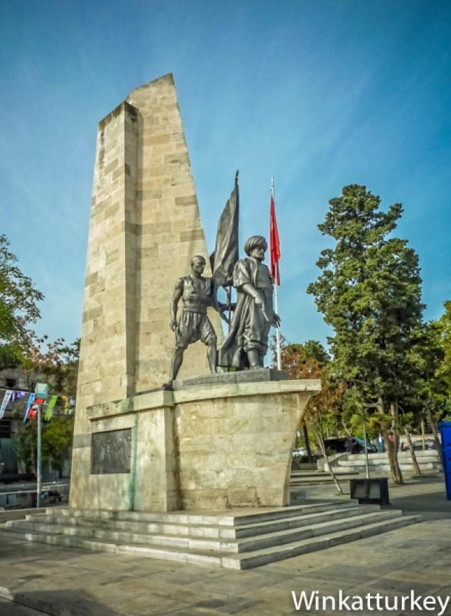Monumento a Barbarroja