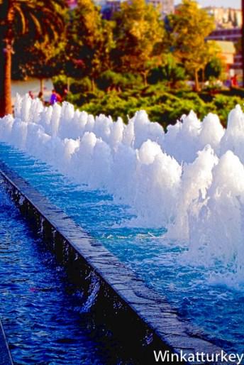 Fuente en plaza de Konak