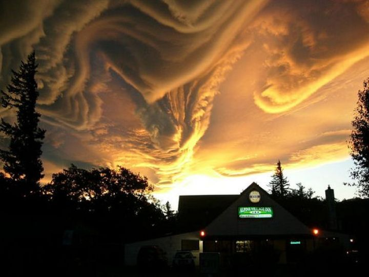 12 Types of Clouds That Are Awesome - Image 4 - Asperatus Clouds.